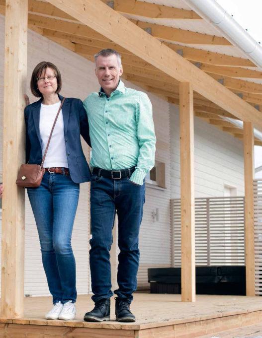 Taru ja Kari Vainio rakensivat Pioneeripuistoon