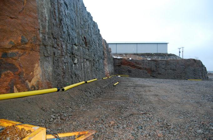 Kouvola RRT kallioleikkaukset helmikuussa 2020, keltaisia salaojaputkia