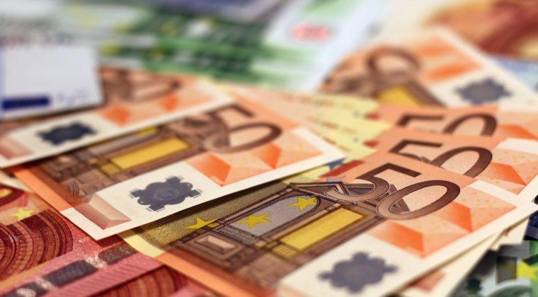 rahaa kuvituskuva