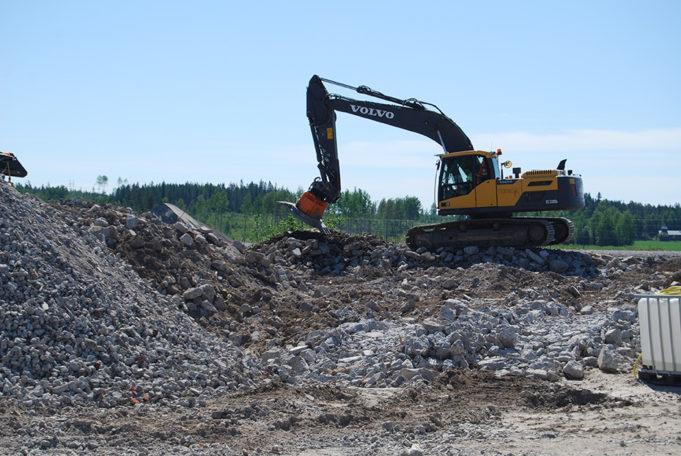 Kouvola RRT kesäkuussa 2020 kaivinkone