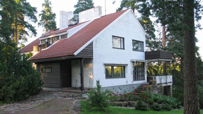 Edustusrakennus Mäntylä Stora Enson tehdasalueella