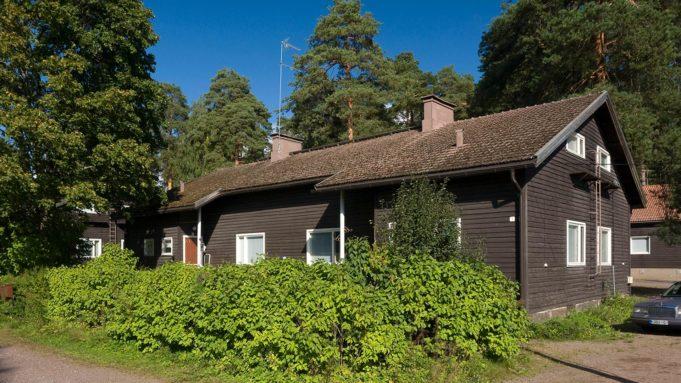 Keltalinjan rakennus Stora Enson tehdasalueella