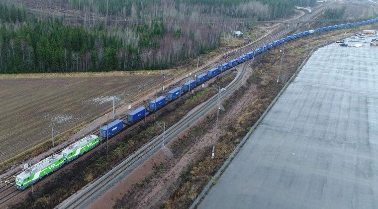 Pitkiä konttijunia käytetään Venäjälle ja Aasiaan suuntautuvissa rautatiekuljetuksissa.